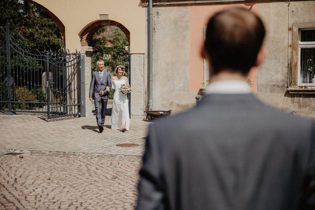 Hochzeit in Jena und Gera mit Hochzeitsfotograf Take a Pic[k]. Wedding Brautpaarshooting with a beautiful couple.